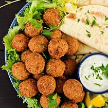 Organic vegetable falafels
