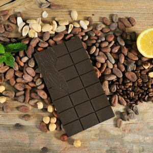 Organic dark chocolate bar (70% cocoa)